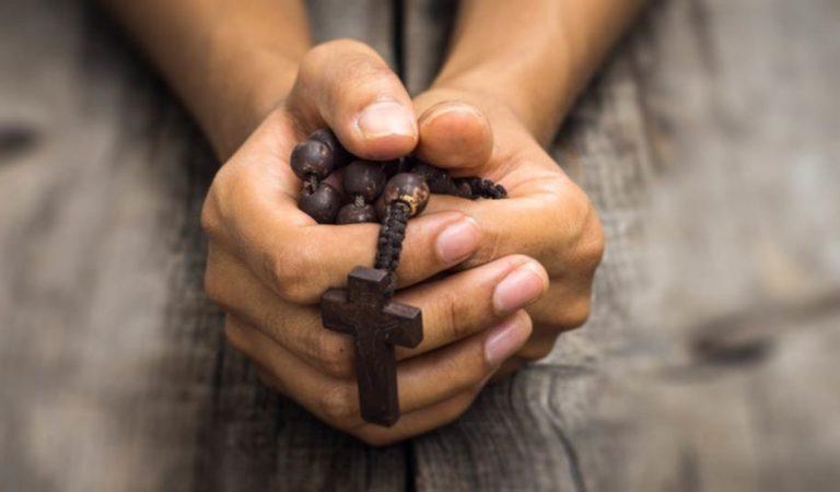 Оберігаюча молитва від поганих людей